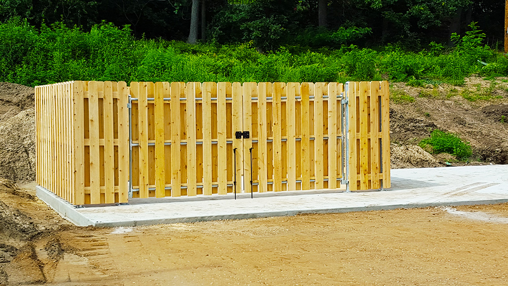 fox valley fence, fencing companies appleton wi, fox valley fencing, fence repair appleton, country estate products, yard fencing oshkosh, fencing installation oshkosh, fence installation oshkosh, fence installers oshkosh, superior fence, local fence companies, dog ear fence, wisconsin fence company