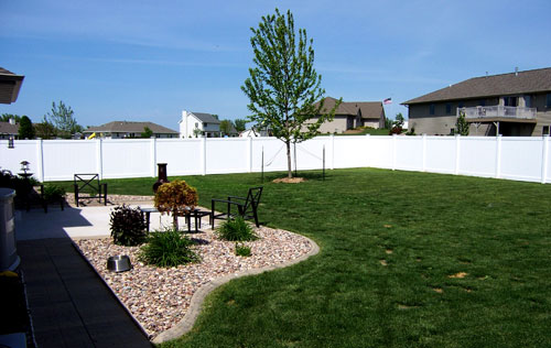 Pic 306 ~ Country Estate Vinyl Privacy Fence ~ Green Bay, Wisconsin