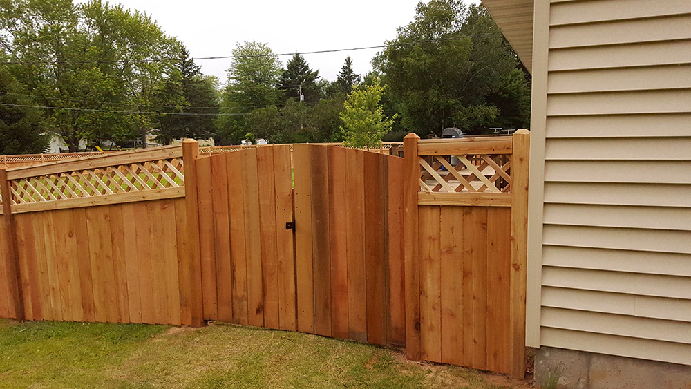 Wood Fence Gallery Mit Fence Wood Privacy Fencing